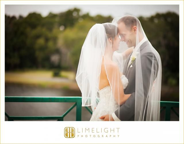 TAMPA PALMS COUNTRY CLUB, bride and groom, wedding photography, Limelight Photography, www.stepintothelimelight.com
