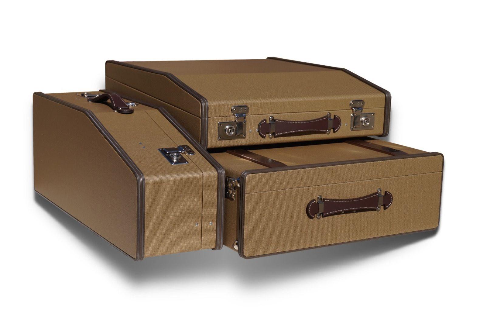 Re edition karl baisch original luggage mercedes 190sl for Mercedes benz suitcase