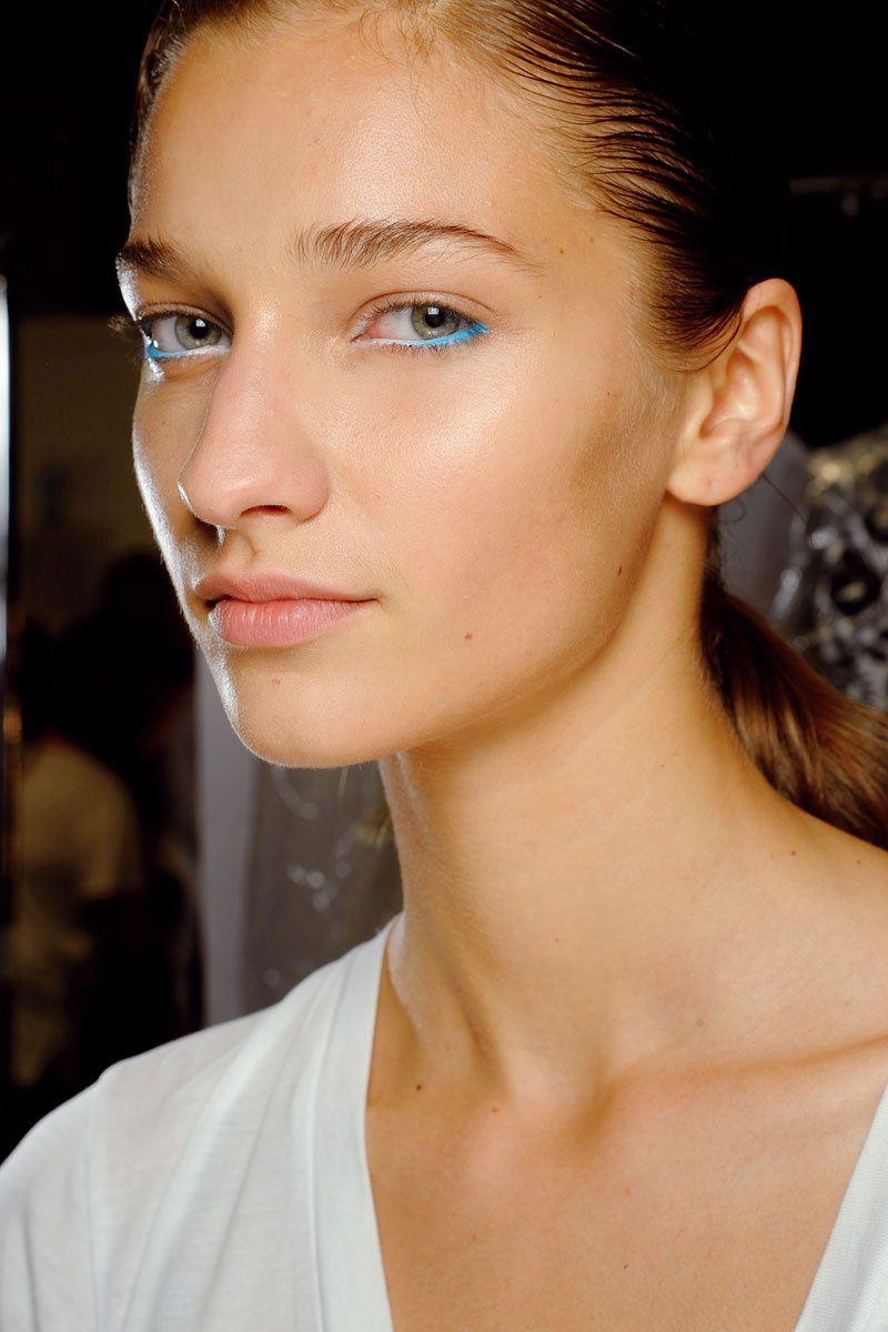 2aea23409 Maquillaje en tonos flúor y pastel: manual de uso © Cordon  Press/InDigital/M.A.C.