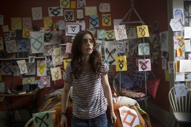 Lily Collins Saw Ghost In Ireland