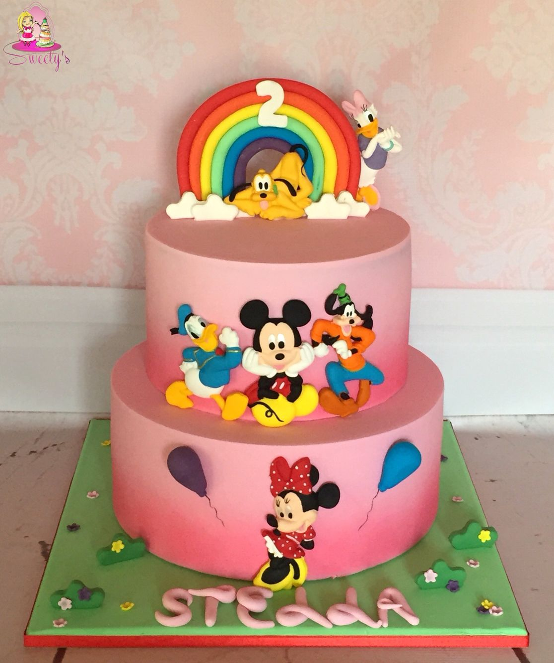 mickey house fondant cake mickey and minnie fondant cake. Black Bedroom Furniture Sets. Home Design Ideas