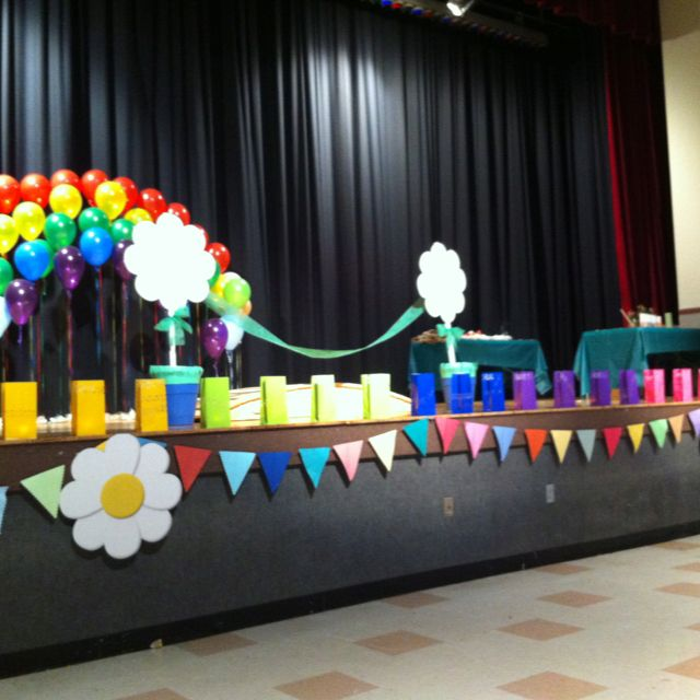 Decorated stage for bridging ceremony gs girl scout - Kindergarten graduation decorations ...