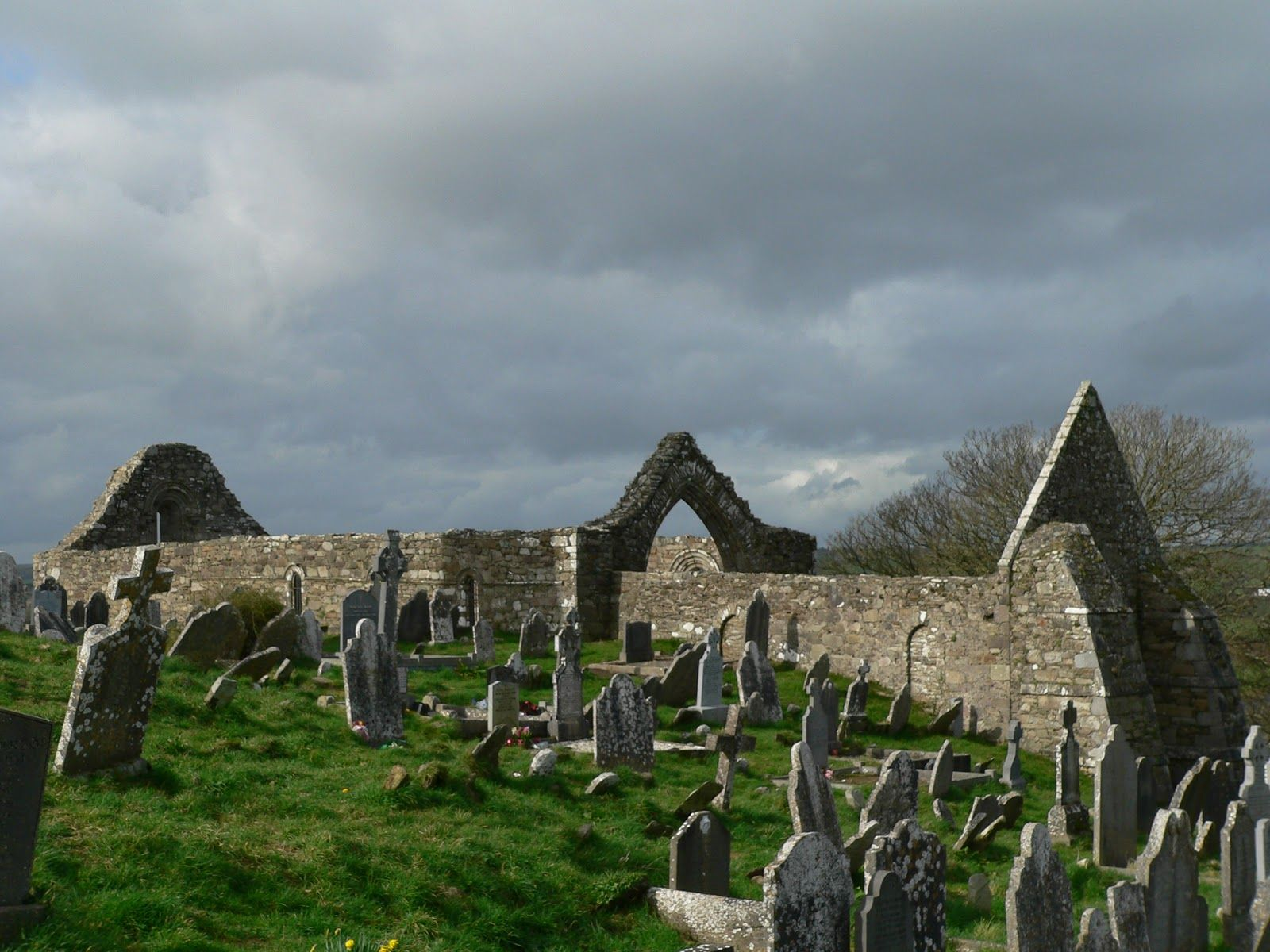 ardmore ireland places mystical sacred thin declan christian community earth waterford irish ancient northern beyond cork village county england mystic