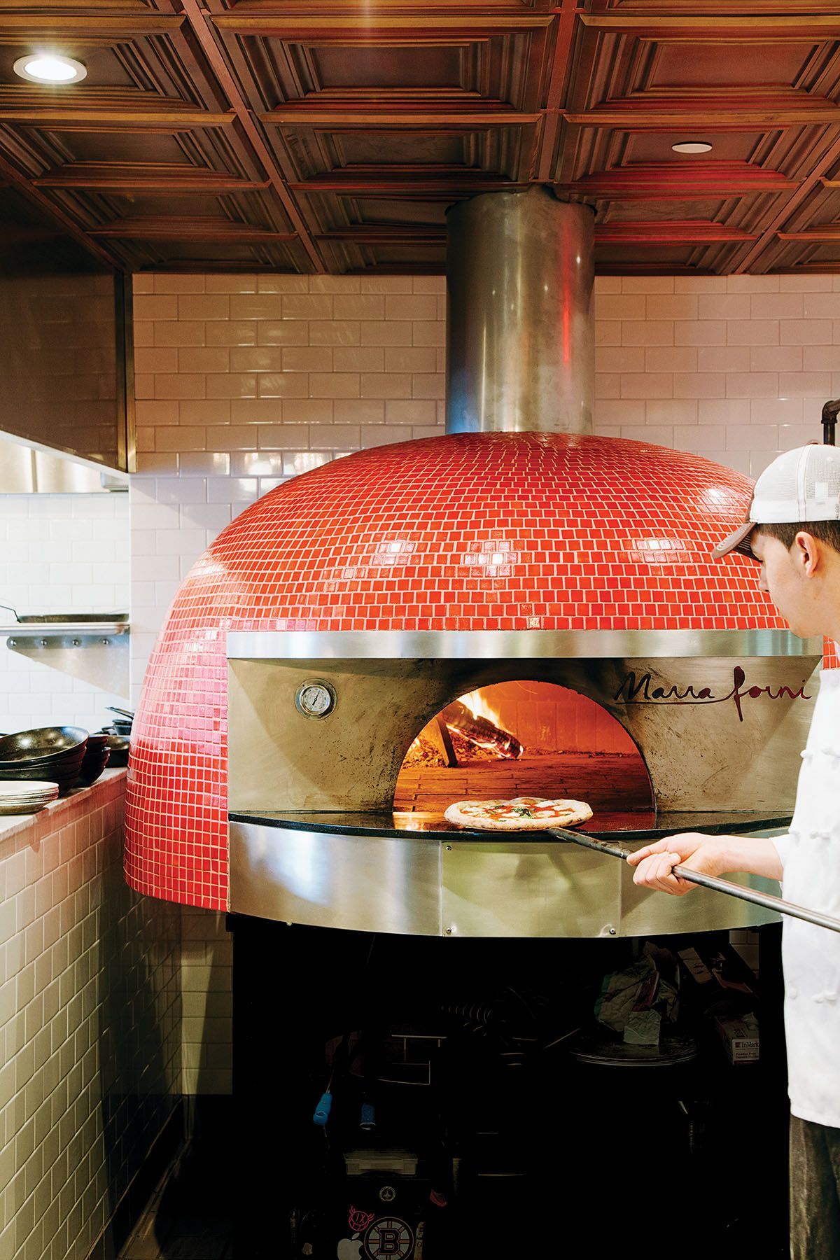 A Look At Pastoral S Tricked Out Pizza Oven Pizza Oven Wood Fired Pizza Oven Italian Pizza Oven
