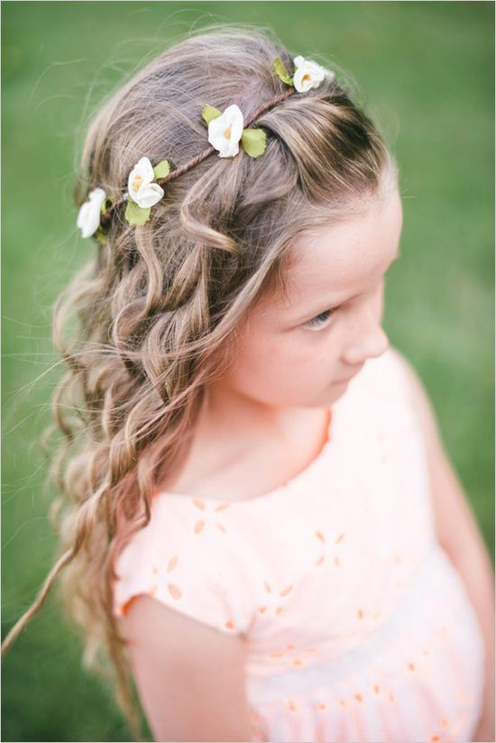 38 Super Cute Little Girl Hairstyles for Wedding Peinados comunion