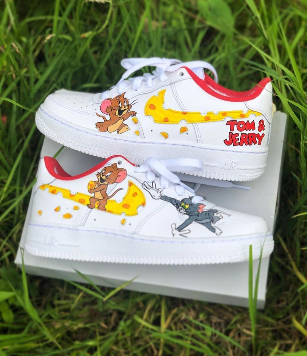 Nutrición curso Shetland  Tom and Jerry Air Force 1s Rate these! Cop or Drop? Follow @kickzincolor  for more! : @kinda_unsystematic | Nike air shoes, White nike shoes, Jordan  shoes girls