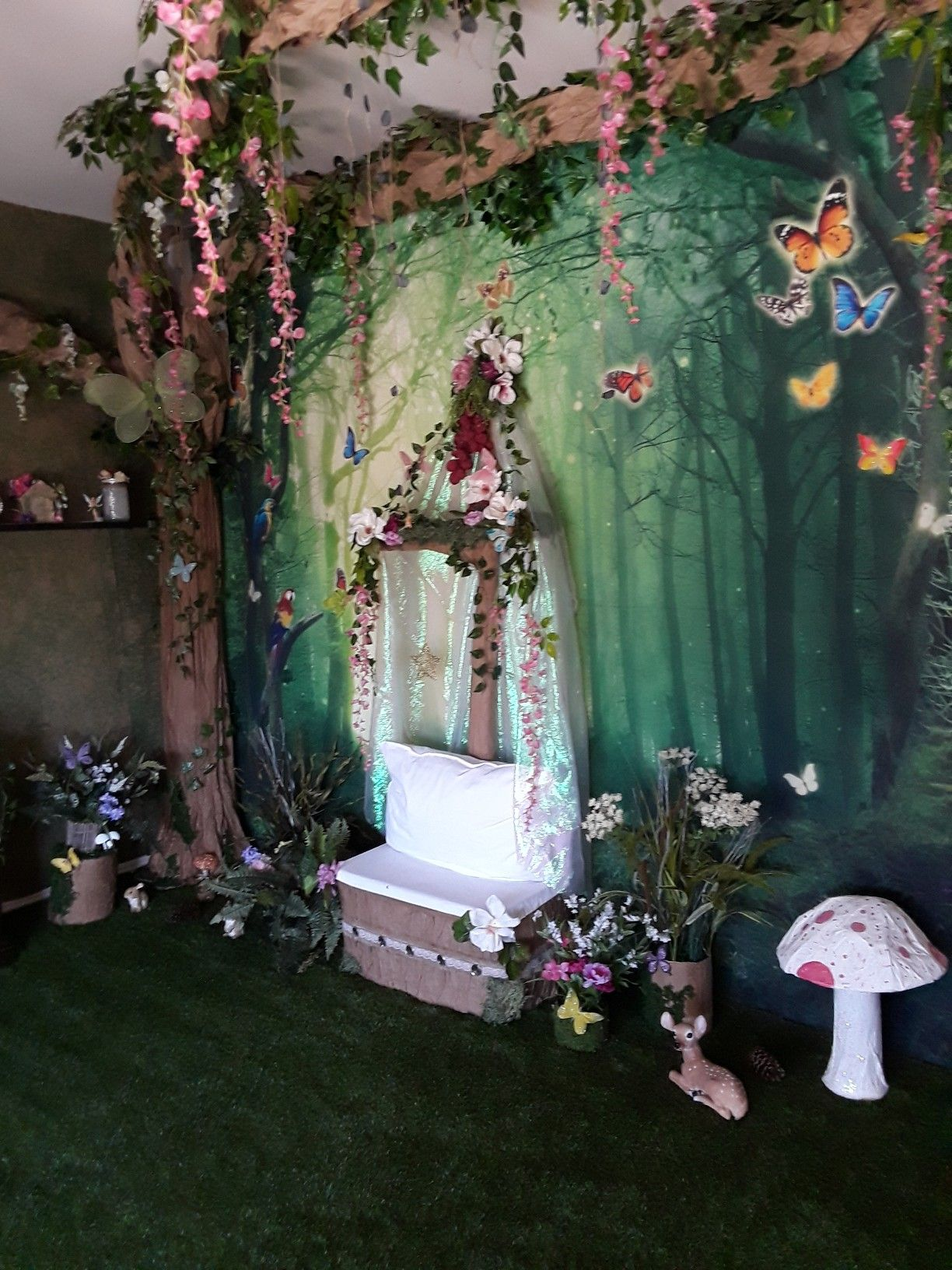 Enchanted Fairy Garden Photo Booth Party S In 2019 Fairy Birthday Party Fairy