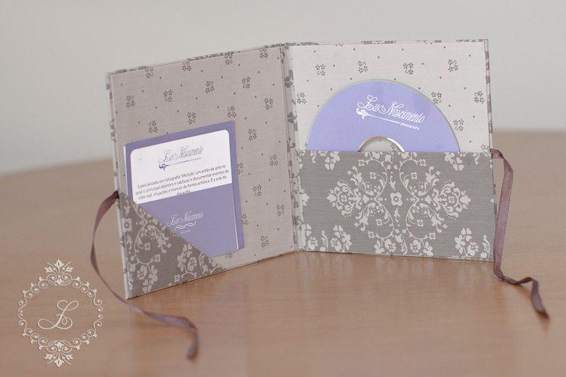 Porta cd dvd feito em cartonagem forrado com tecido importado u cbr