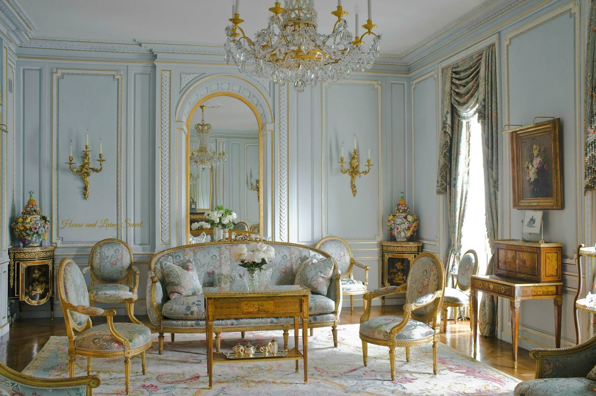 These French Antiques Are In An Old Chateau Where The Architecture