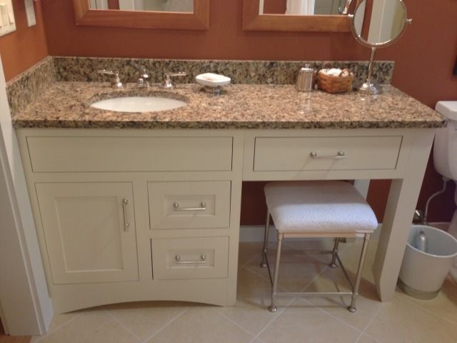 bathroom vanity sitting area! love 1 sink and lots of counter space