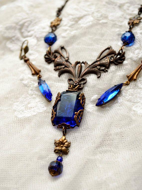 Vintage Style or Bohemian Style Necklace Ras de Cou Art Deco Style