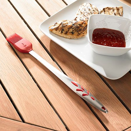 Durable stainless steel and silicone baster has bristles that won't melt or absorb odors. It can also be removed for easy cleaning. $34.95 WE SHIP ANYWHERE IN U.S.  contact me for more details: lindabradey@myprincesshouse.com