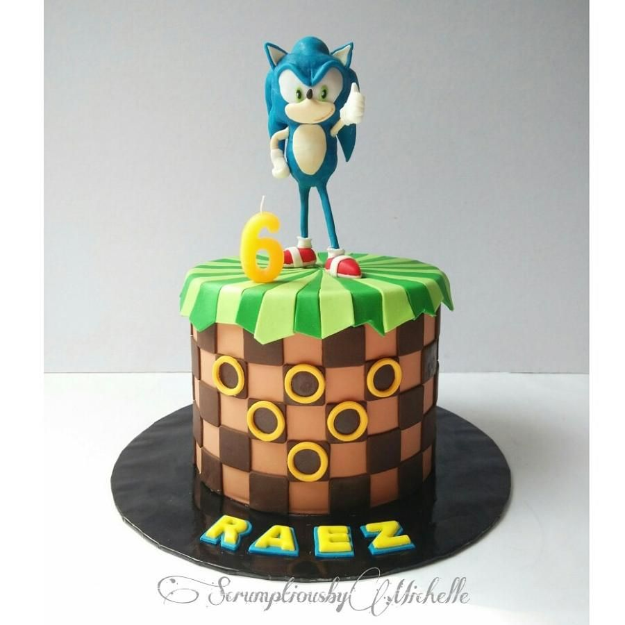 Sonic Hedgehog Cake By Michelle Chan Sonic Cake Sonic Birthday Cake Sonic The Hedgehog Cake