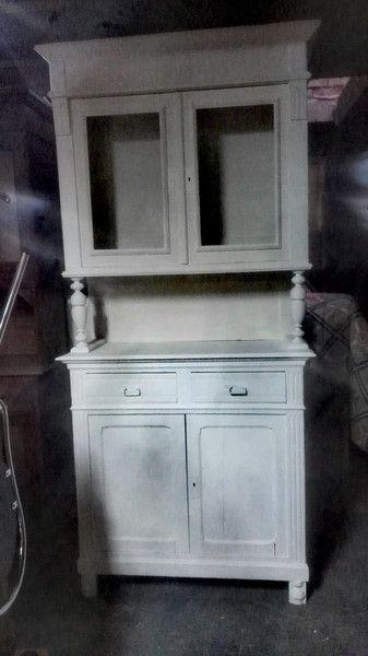 buffetschr nke vintage buffetschrank shabby chic wei antik ein designerst ck von cozy. Black Bedroom Furniture Sets. Home Design Ideas