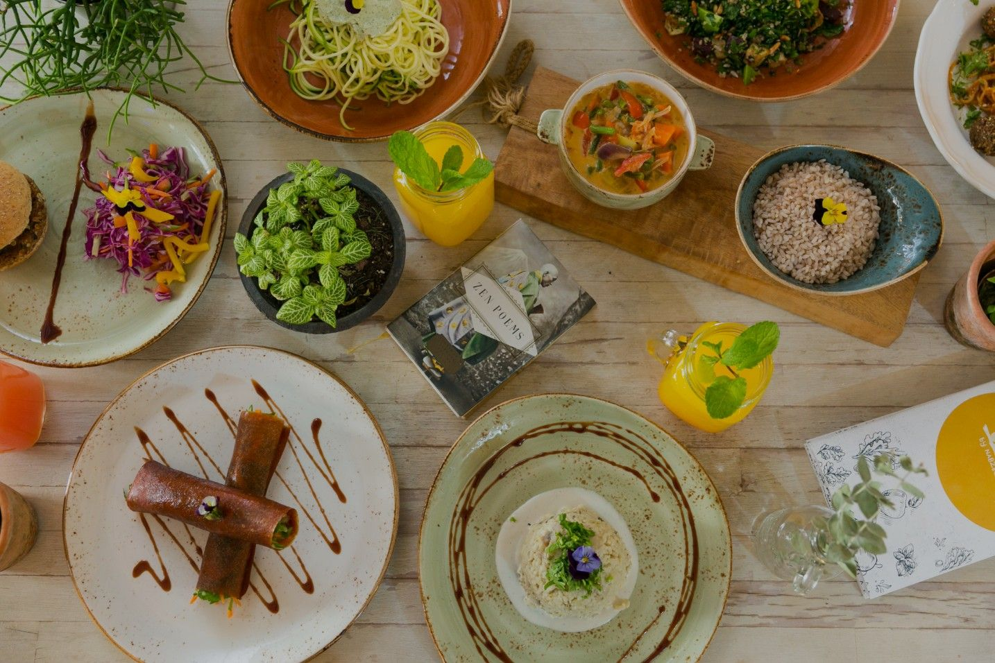 Urth By Nabz G Is A Vegan And Vegetarian Restaurant In Jumeirah Lake Towers Dubai Get Your Healthy Vegan And Vegetarian Food For Delivery