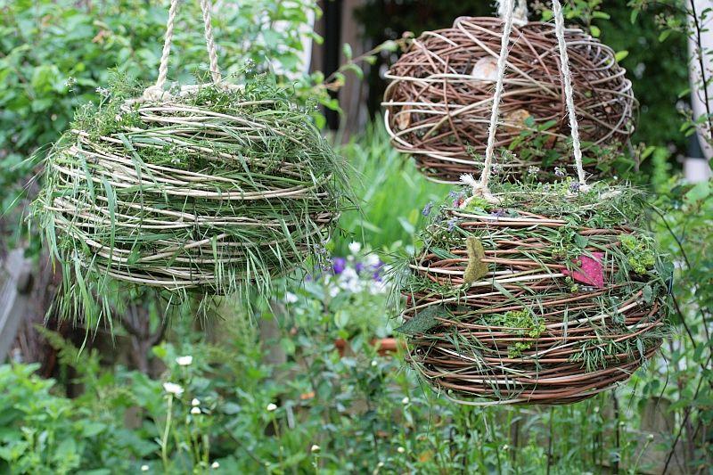 wilde flechtereien faszination wildkr uter garden pinterest garten garten deko und. Black Bedroom Furniture Sets. Home Design Ideas