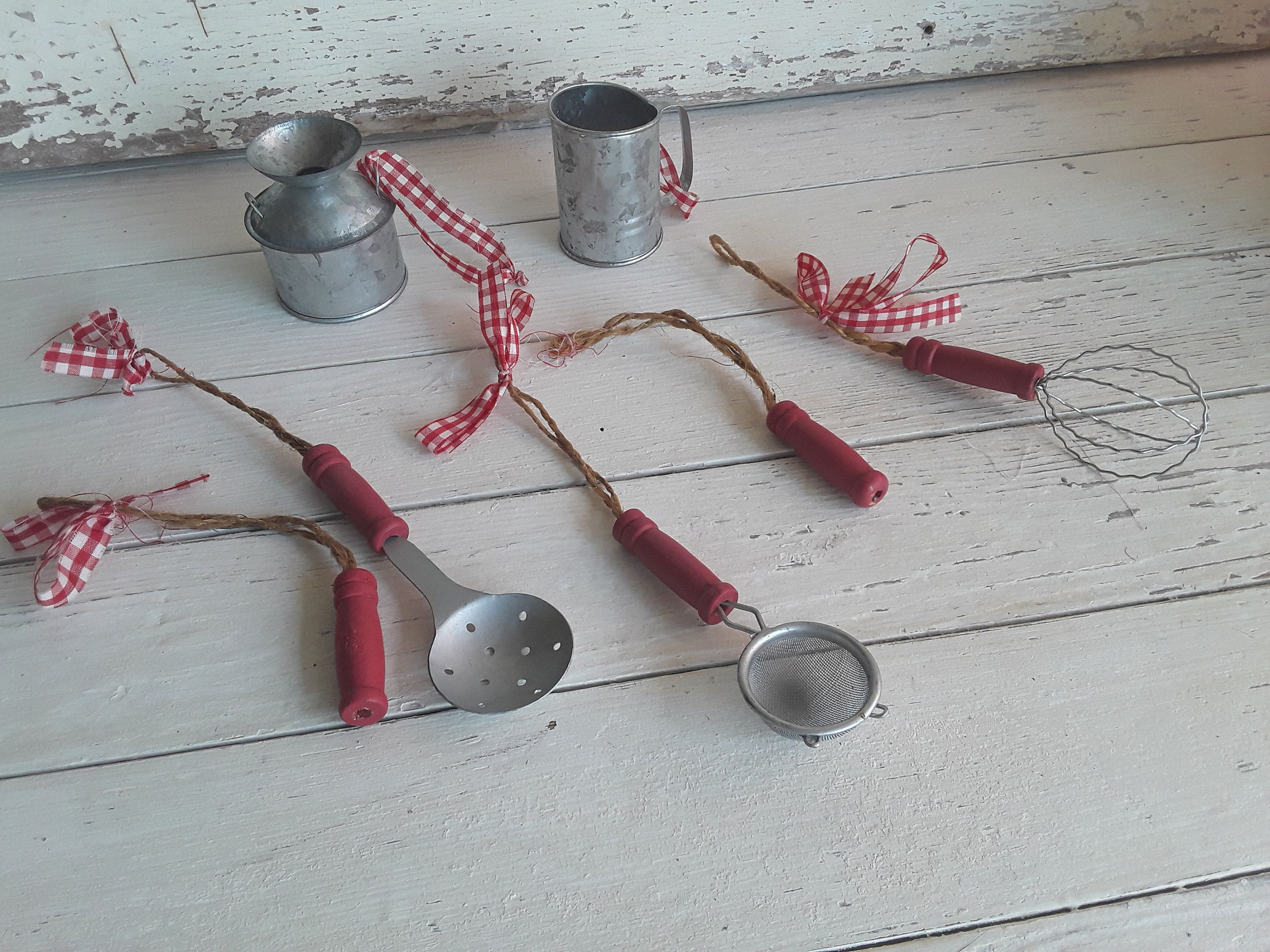 Vintage Christmas Miniature Kitchen Utensils, Kitchen Christmas Tree Ornaments, County Christmas Tree, Farmhouse Christmas Decor #miniaturekitchen