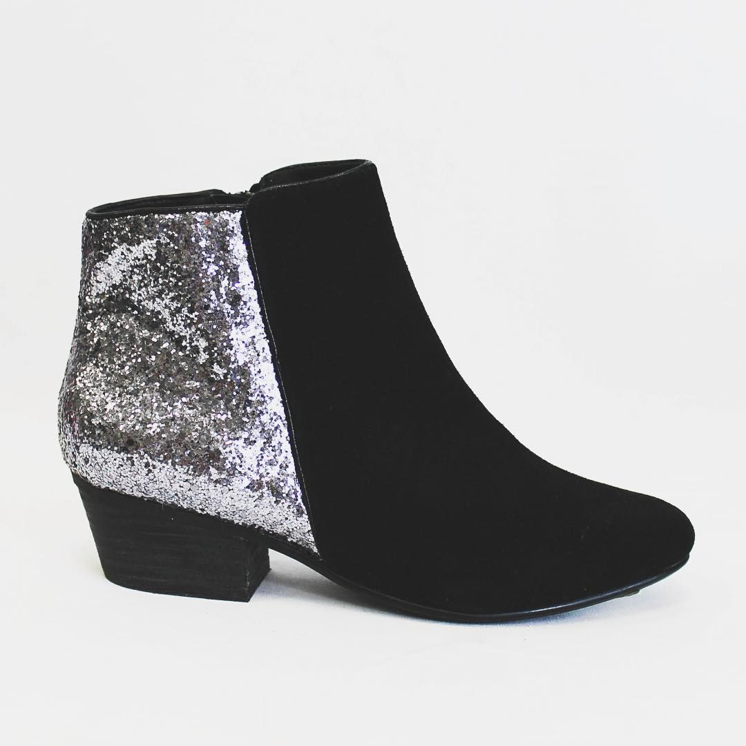 Get ready for the holidays with these sequined boots! #freestylefind #shoesdaytuesday #fashion #style #shoes