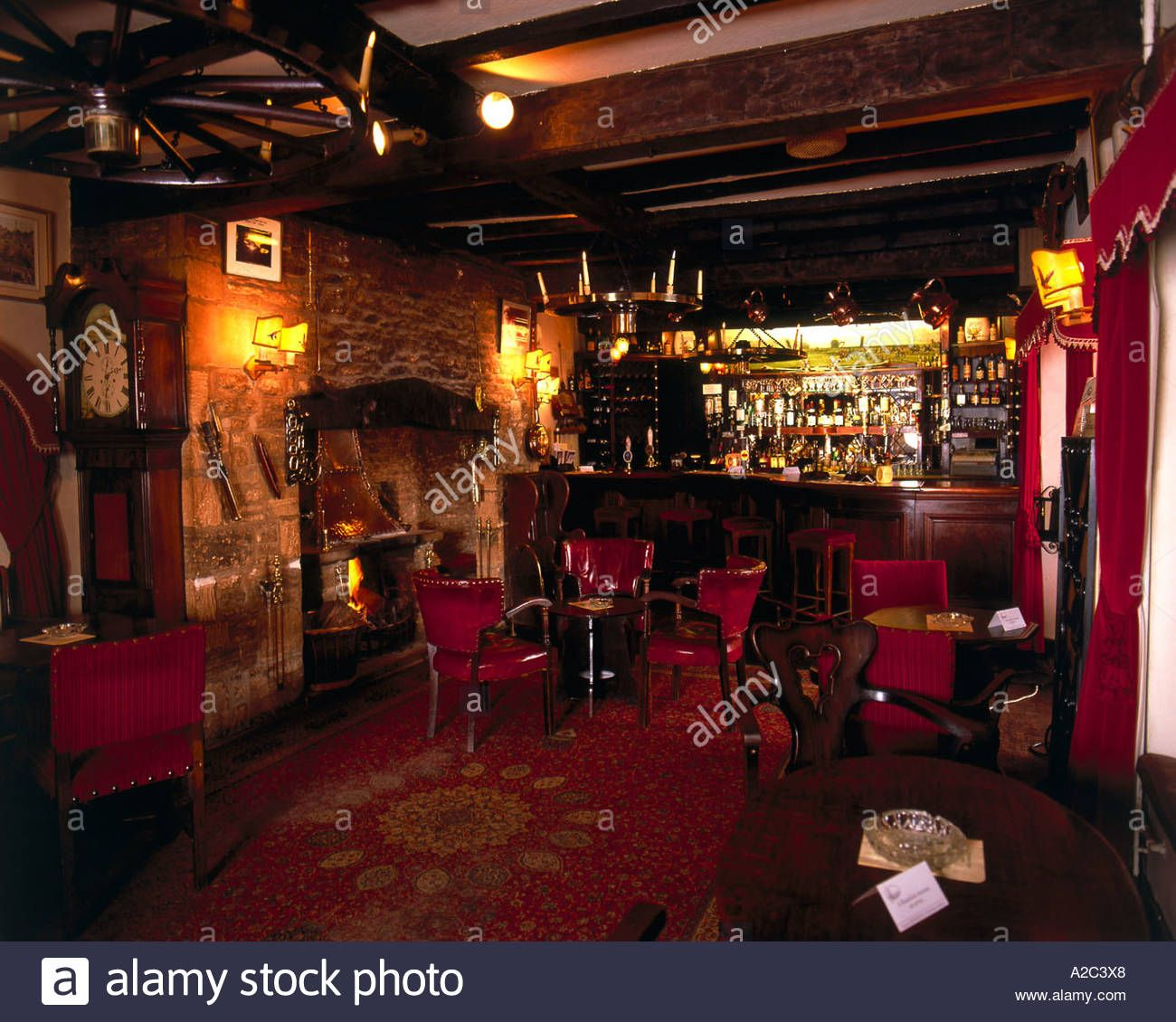 English Pub Home Bar Design: Interior Of Traditional Old English Pub Stock Photo