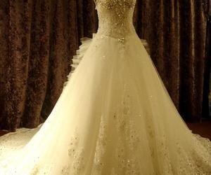 Attractive A-line Floor-length V-neck Beading Bowknot Chapel Train Wedding Dress : Tbdress.com