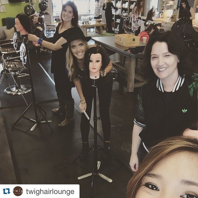 """Thx u @twighairlounge ! #Repost @twighairlounge: """"Thank you @sallyrogerson for doing a special training session with some of stars this past weekend! They loved it """" #twighairlounge #educationtothemax #neverstopgrowing #sreducation #lovewhatyoudo #dowhatyoulove #dontbebasic"""