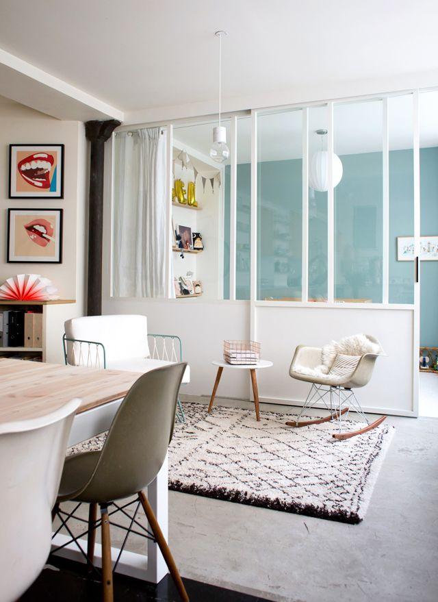 Verri re d 39 int rieur blanche dans loft studio julie paris 11 me la verri re dans tous ses - Porte verriere blanche ...