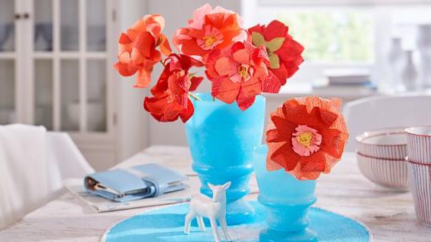 Papierowe Kwiaty Z Bibuly Nie Wymagaja Pielegnacji Oraz Podlewania A Za To Ozdobia Kazde Mieszkanie I Wprowadza Nieco Koloru Do Wnetrza Ozdoby Wielkanocne Papierowe Kwiaty I Kwiaty