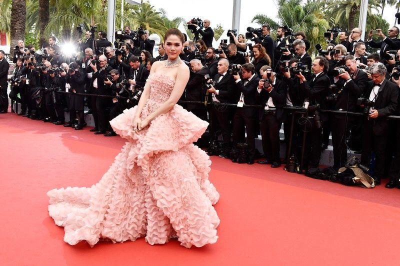 Desfile de estrelas no primeiro dia do Festival de Cannes - Caras