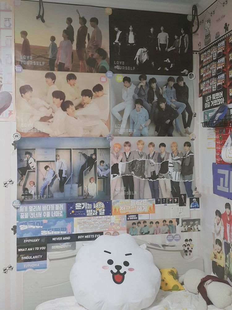 Pin By Anges Du Jour Demons La Nuit On A17 Kpop Itens Army Room Decor Army Decor Bts