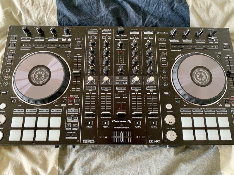 Pioneer Ddj Rx Dj Controller Inkl Rekordbox Lizenz Verkaufspreis