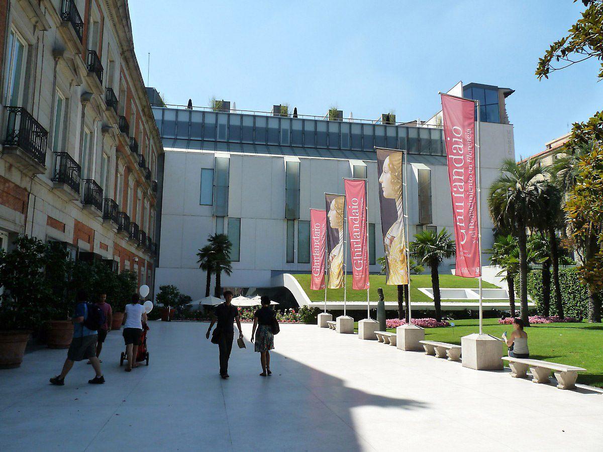 Museu Thyssen-Bornemisza. Reúne um dos maiores acervos privados do mundo, em 1993 adquirido pelo governo espanhol. Se você gostar de pintura, essa é uma boa recomendação. O estilo das obras me agradou mais que o Museu do Prado.