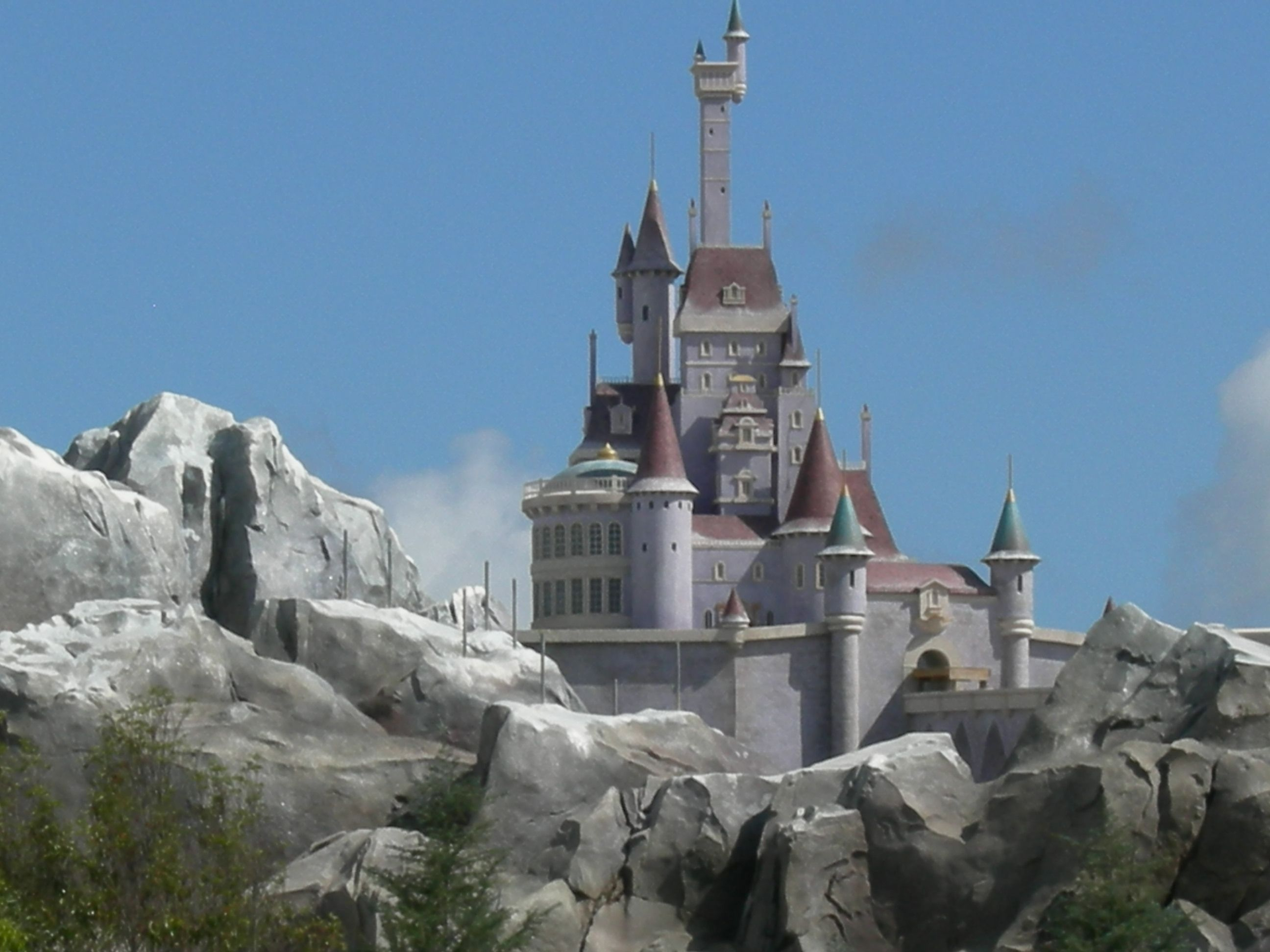 beauty and the beast castle coming soon to the new fantasy land walt disney world beast 39 s. Black Bedroom Furniture Sets. Home Design Ideas