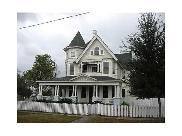 1906 Queen Anne Hattiesburg Mississippi George F Barber 188 700 Edwardian House Old Houses For Sale Old House Dreams