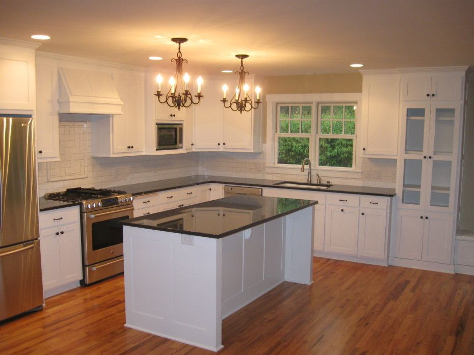 Extraordinary White Shaker Kitchen Cabinets And White Lacquer Solid Wood Kitchen Island With Black Galaxy Granite