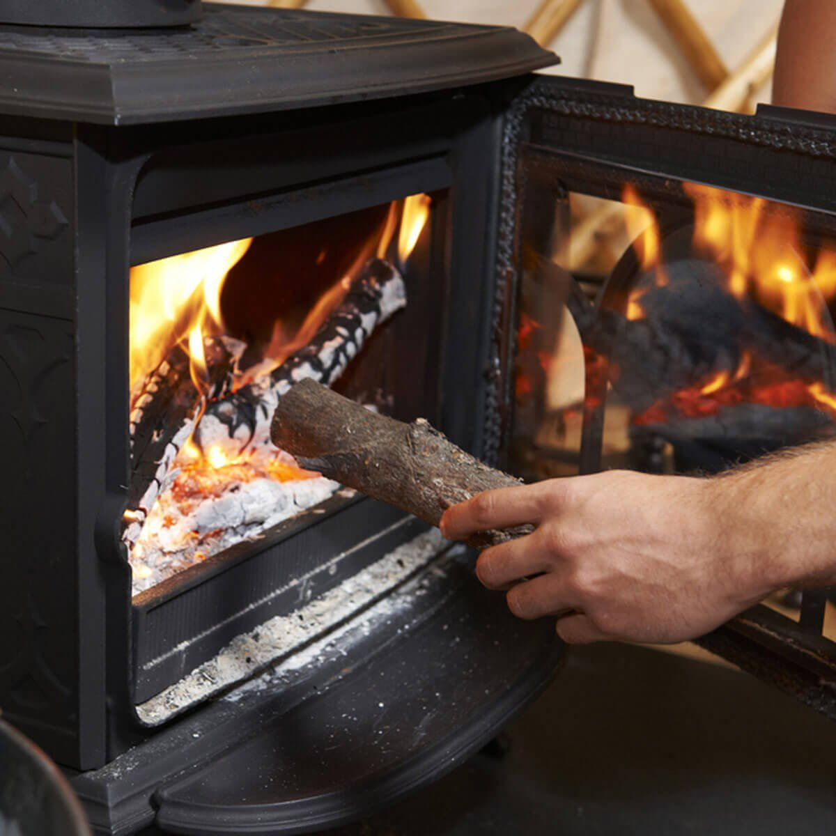12 Best Ways to Heat a Garage in the Winter Stove