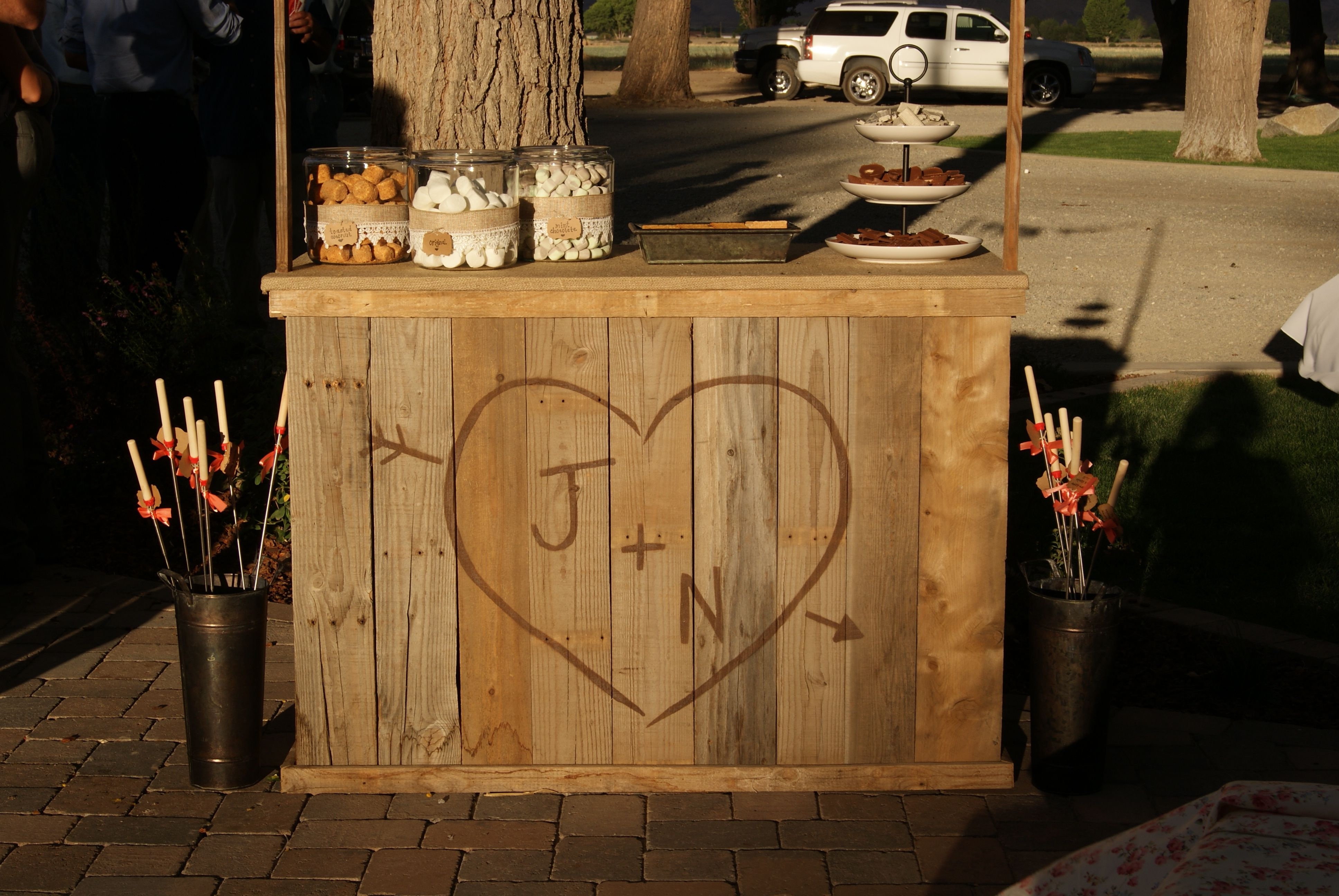 Wedding Smores Bar My Husband Built From Old Pallets