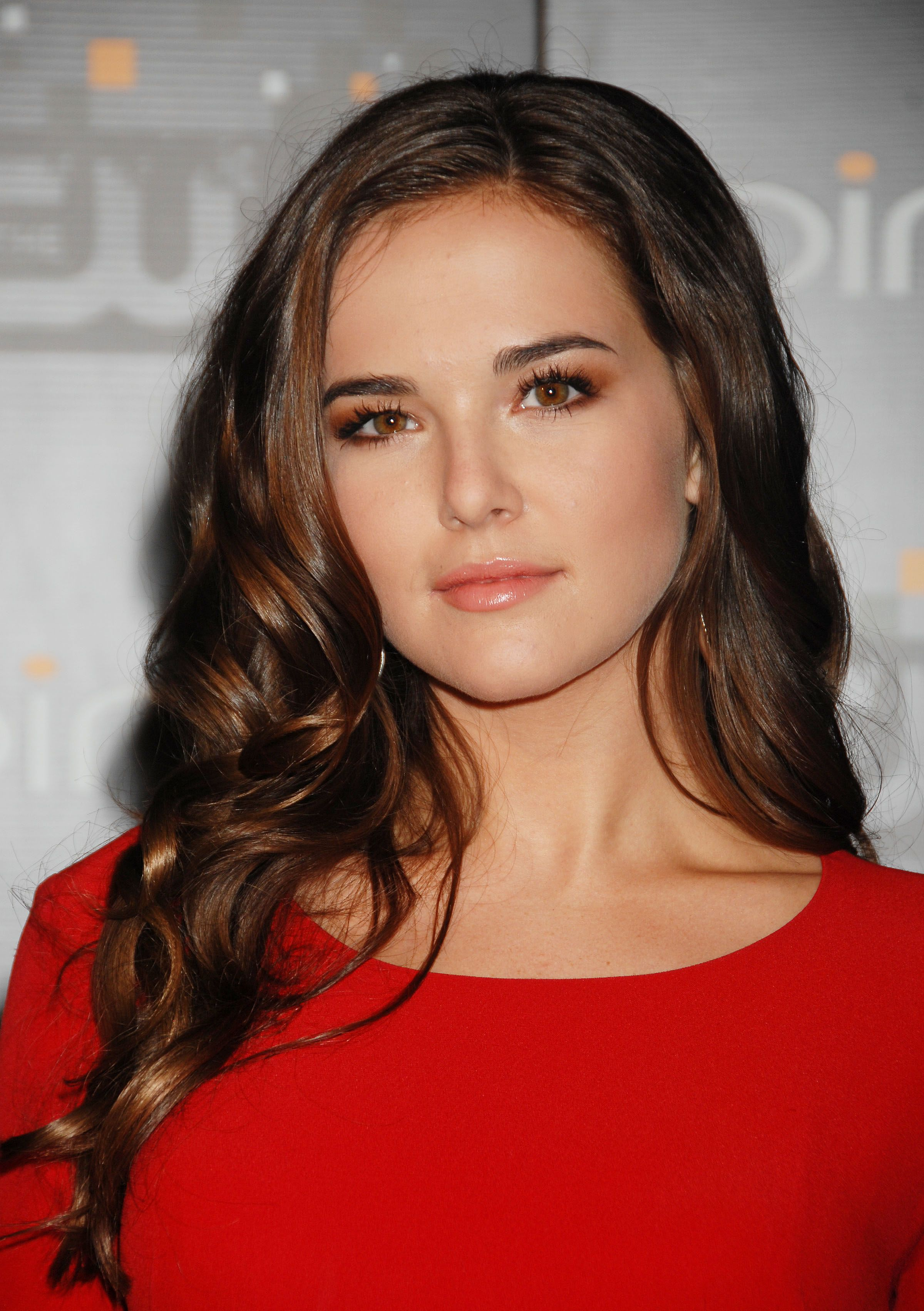 zoey deutch - photo #37