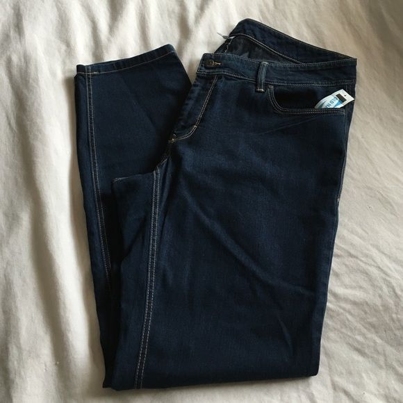 Old Navy Skinny Leg Jeans *NEW* Old Navy size 18 plus Tall. Still selling on the website. Dark wash very nice, too big for me. They were an online return at the store which you can't return. Old Navy Jeans Skinny