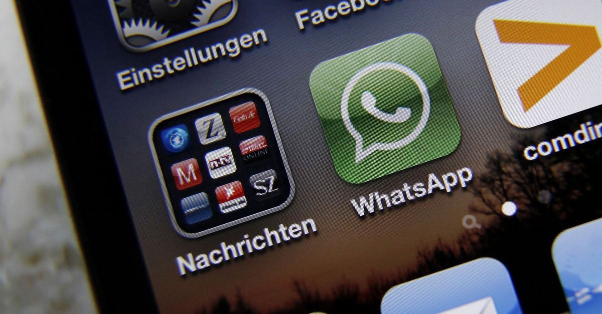 WhatsApp Doubles Active Users in 10 Months [CHART] Mind
