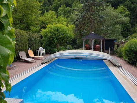 Ferienhaus mit Pool  Whirlpool, gr Garten mit Zaun Ferienhaus am