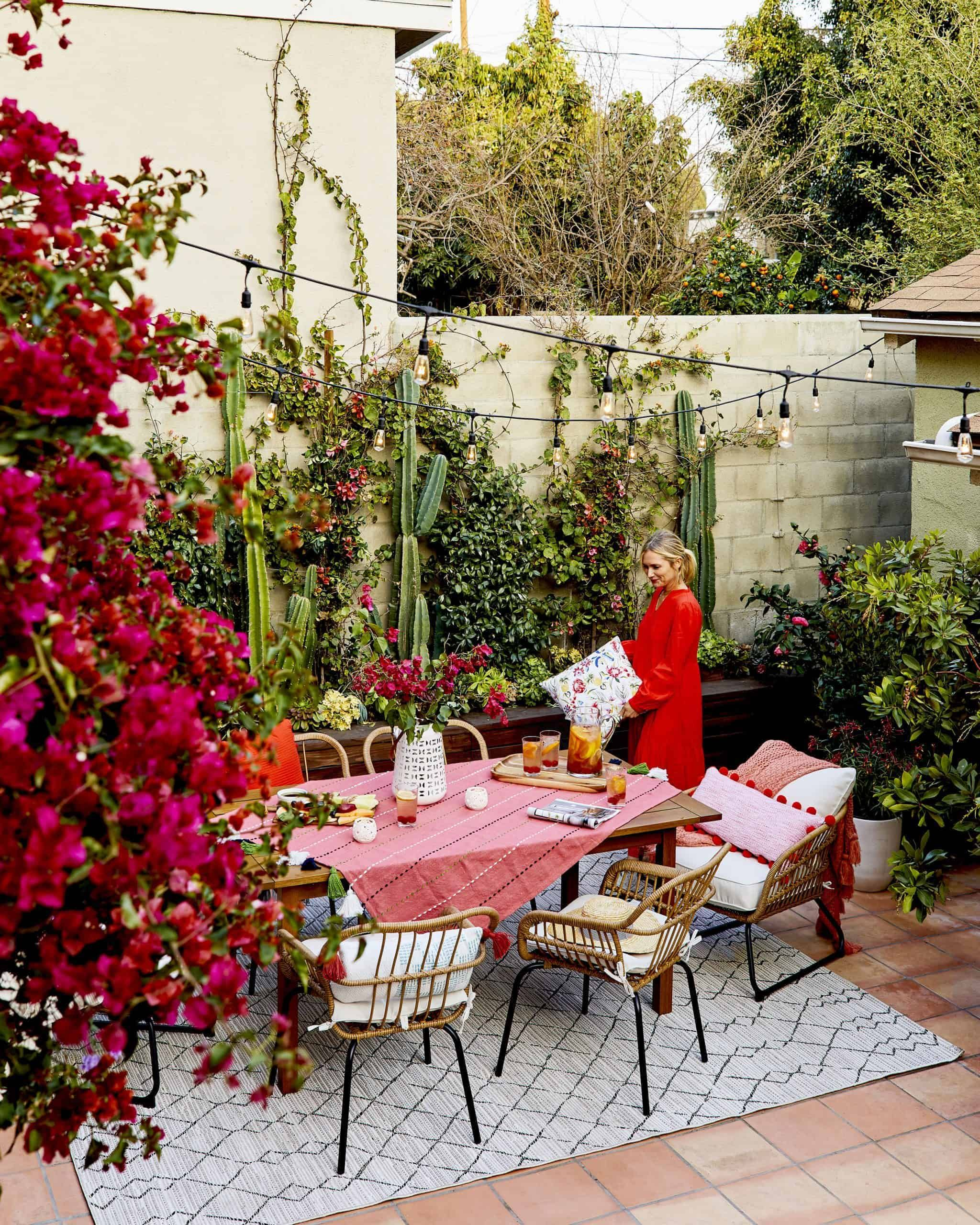 How To Style Out Your Outdoor Space So Youll Actually Use It (No Matter How Big Or Small It Is