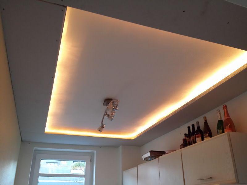LED Deckenleuchte selber bauen | direktes und indirektes LED Licht | deutsch