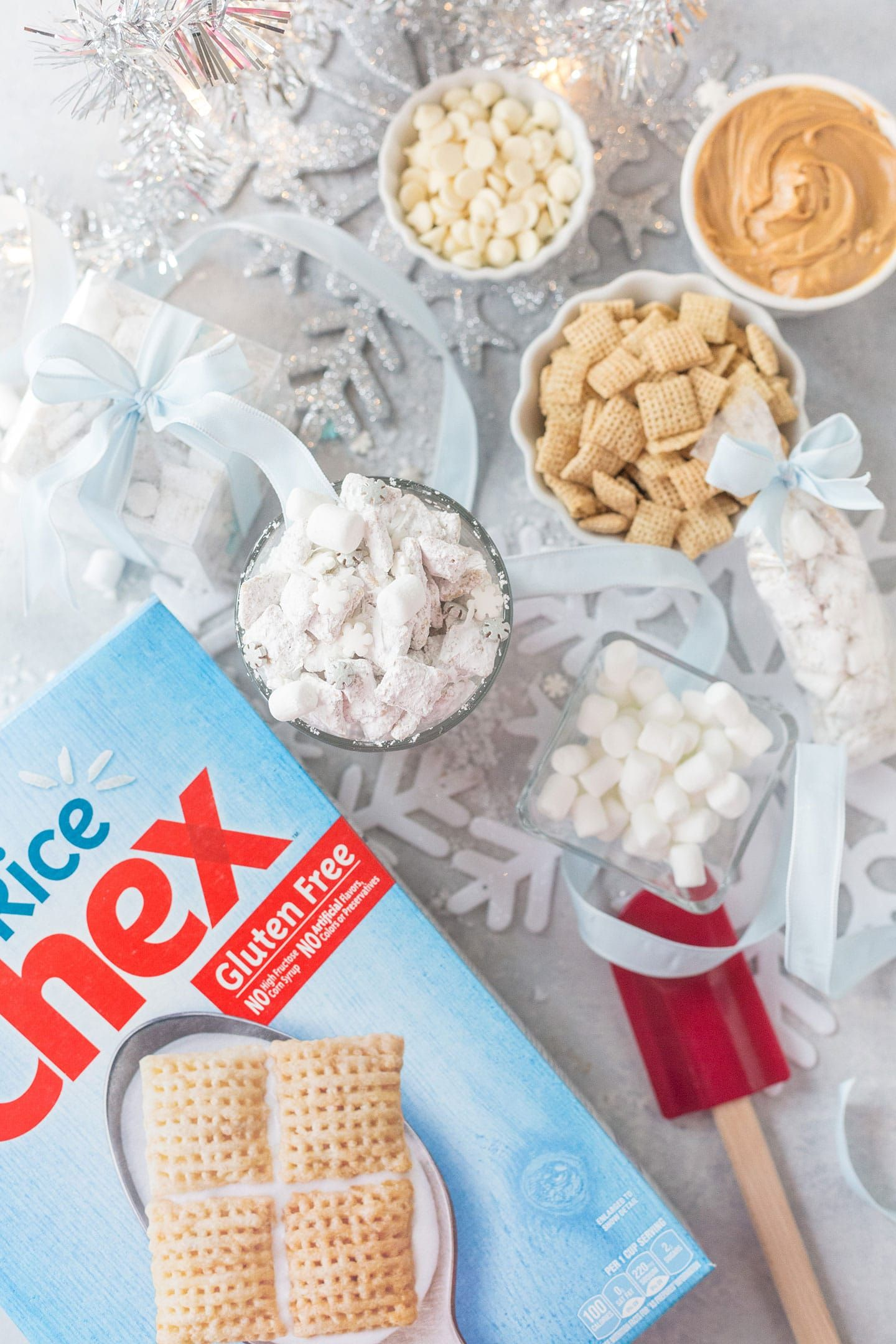 White Chocolate Snowflake Muddy Buddies In 2019 White Pretzels