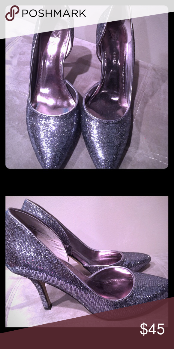 efadc5b4889 🌹Anne Klein silver dress shoes🌹 So sparkly and glamorous! Size 6m great  condition! Anne Klein Shoes