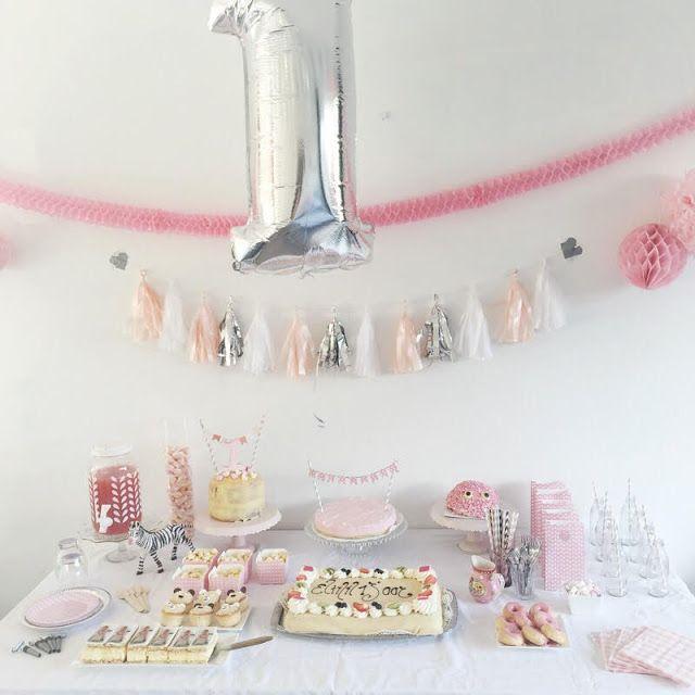 Elinn S Eerste Verjaardag Versier Je Feest Verjaardag Ideeen 1