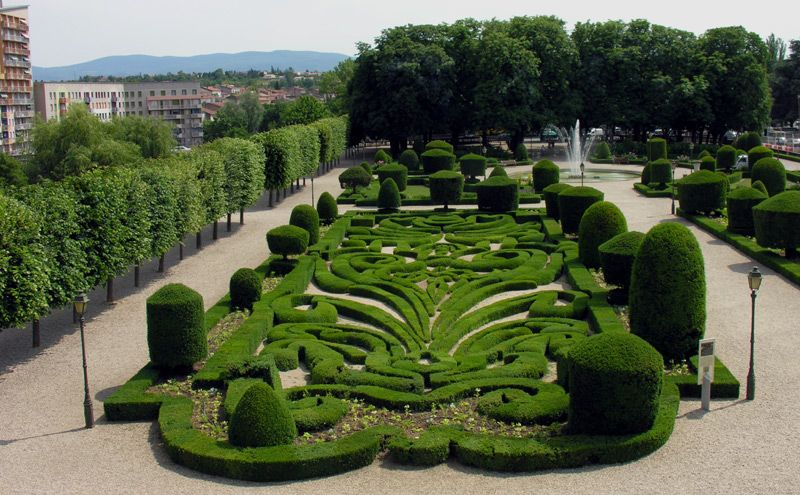 Albi In A Garden Designed By The Famed Andre Le Notre Creator Of