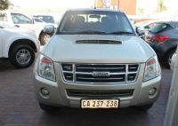 2008 Isuzu KB 300 LX D/Cabb but the colour is awful