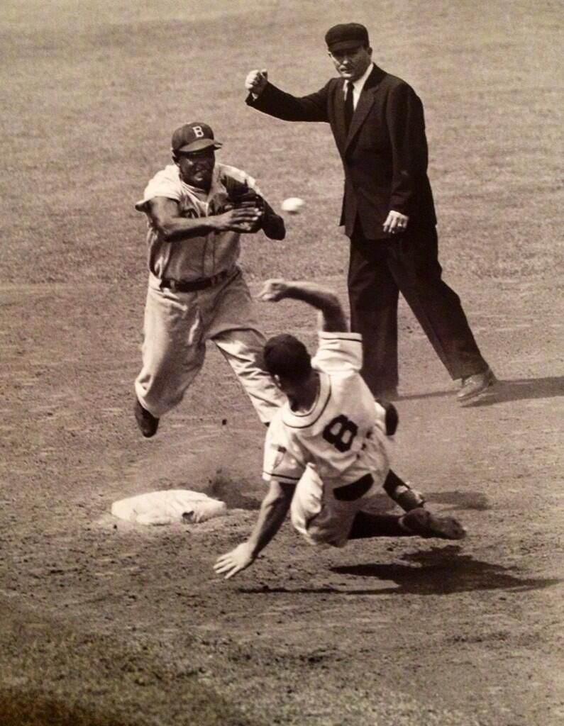 Pin By Moreilly On Baseball In Black White Baseball Award
