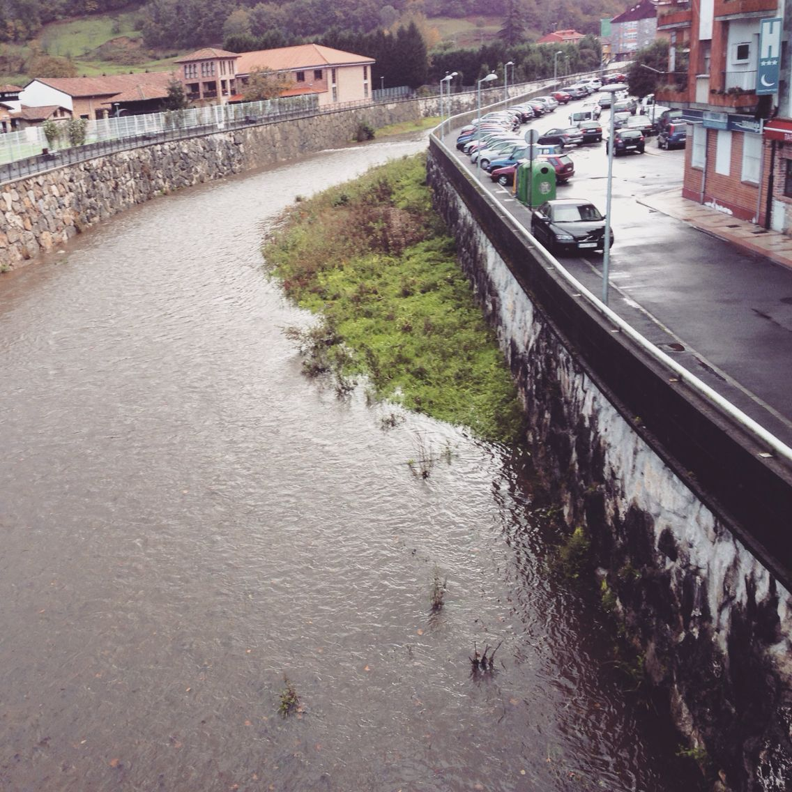 El rió Gueña hoy,a su paso por Cangas de Onis..