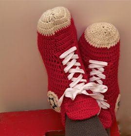 Mun Tekemä!: My Crochet Converse Slippers - English Instructions